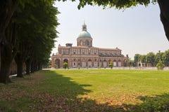 Heiligdom van Caravaggio, kerk en park stock fotografie