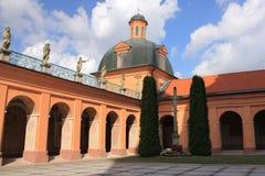 Heiligdom van Heilige Lipka (Polen) De binnenplaats van de tempel Stock Fotografie