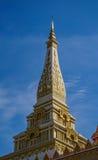 Heiligdomstempel en blauwe hemel Stock Afbeeldingen