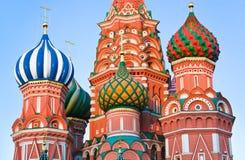 Heilige Basil Cathedral op Rood vierkant, Moskou bij zonsondergang Royalty-vrije Stock Foto
