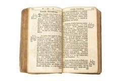 Heilige Bibel mit Ausschnittspfaden Stockfoto