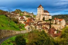 Heilige-Cirq-Lapopie, één van de mooiste dorpen van Frankrijk royalty-vrije stock afbeeldingen