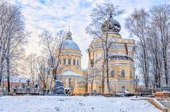 Heilige Drievuldigheidskathedraal en Sinterklaas-kerk van Alexander Nevsky-lavra Royalty-vrije Stock Foto's