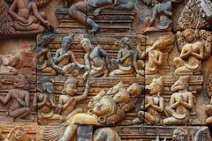 Heilige hinduist bas-hulp in Angkor Wat, Kambodja Stock Afbeeldingen