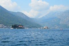 Heilige Inseln in der Bucht von Kotor Stockfotografie