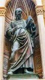 Heilige John Evangelist Statue Orsanmichele Church Florence Italy stock afbeelding