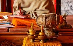 Heilige kruik en kom in tempel Royalty-vrije Stock Foto's