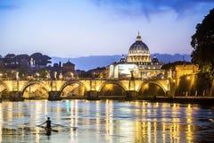 Heilige Peters Basilica en vierkant in de Stad van Vatikaan Stock Afbeeldingen