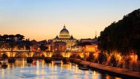 Heilige Peters Basilica - Vatikaan - Rome, Italië stock afbeeldingen