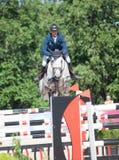 HEILIGE 06 PETERSBURG-JULI: Rider Andis Varna op Coradina in C Royalty-vrije Stock Foto