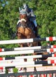 HEILIGE 05 PETERSBURG-JULI: Rider Maxim Kryna op Klooney 26 in CSI Royalty-vrije Stock Afbeelding
