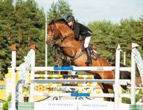 HEILIGE 05 PETERSBURG-JULI: Rider Mikhail Shemshelev op Dagomys binnen Royalty-vrije Stock Foto