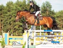 HEILIGE 05 PETERSBURG-JULI: Rider Mikhail Shemshelev op Dagomys binnen Royalty-vrije Stock Afbeeldingen