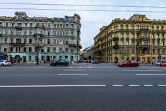 HEILIGE PETERSBURG - 14 JUNI, 2015: Mening van Nevsky-Vooruitzicht in St. Petersburg royalty-vrije stock foto's