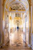 Heilige-Petersburg, RUSLAND - APRIL 30 2019: Rococo's barokke binnenlandse galerij van het paleis van Catherine, Tsarskoye Selo,  royalty-vrije stock afbeeldingen