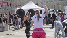 Heilige-Petersburg, Rusland De competities in het powerlifting onder vrouwen stock video