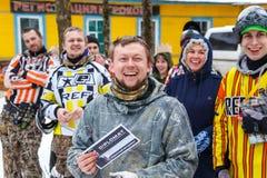 Heilige-Petersburg, Rusland - Februari 21, 2016: Het grote jaarlijkse spel 'Dag M' van het paintballscenario in Snaker-club Stock Foto's