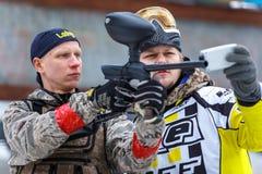 Heilige-Petersburg, Rusland - Februari 21, 2016: Het grote jaarlijkse spel 'Dag M' van het paintballscenario in Snaker-club Royalty-vrije Stock Foto's