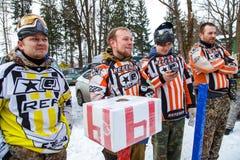Heilige-Petersburg, Rusland - Februari 21, 2016: Het grote jaarlijkse spel 'Dag M' van het paintballscenario in Snaker-club Stock Afbeelding