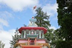 Heilige-PETERSBURG, RUSLAND - Juli 10, 2014: Chinese knarsende as in Catherine Park in Tsarskoe Selo Royalty-vrije Stock Afbeeldingen