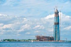 Heilige Petersburg RUSLAND - JUNI 25 2017 Multifunctioneel centrumlak royalty-vrije stock foto