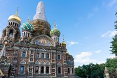 Heilige Petersburg, Rusland - Juni, 22,2018: Vernieuw Kerk van de Verlosser op Gemorst Bloed royalty-vrije stock foto's