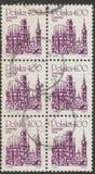 Heilige Petersburg, Rusland - November 27, 2018: Postzegels in Polen met het beeld van de aantrekkelijkheden die van Gdansk worde stock afbeelding
