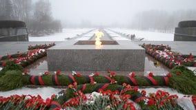 Heilige-Petersburg Rusland Piskaryovskoye Herdenkingsbegraafplaats stock footage