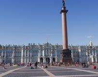 Heilige Petersburg, Rusland 10 September, 2016: Mening van Paleisvierkant, de kolom van Alexander, in het historische centrum van Stock Afbeelding