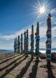 Heilige Pfostenserge an den Orten der Verehrung nähern sich Kap Burhan, Baikal Stockbild
