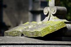 Heilige Schrift gebildet vom Stein Stockbild