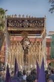 Heilige Week in Sevilla, Maagdelijk van de overwinning van het broederschap van de tabaksbedrijven stock fotografie