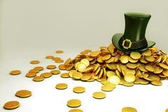 Heiligen Patricks Hut mit Goldmünze Lizenzfreie Stockfotos