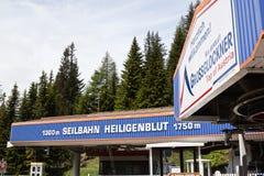 Heiligenblut-montagem incompleta Schareck de Liftstation Foto de Stock