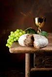 Heiliger Wein und Brot Stockbild