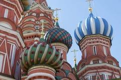 Heiliges Basil Cathedral und Vasilevsky-Abfall des Roten Platzes in Moskau der Kreml, Russland Lizenzfreies Stockfoto