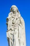 Heiliges Catherine von Siena gegen Himmelhintergrund Stockfotografie