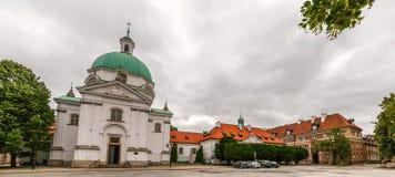 Heiliges Kazimierz Church in Warschau - Polen lizenzfreie stockbilder