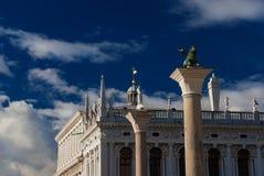 Heiliges Mark Square mit Venedig-Löwespalte Lizenzfreie Stockfotografie