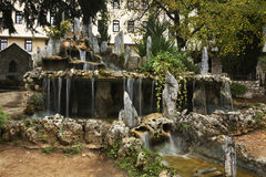 Heiliges Naum Wasserfall im Kloster des Heiligen Naum macedonia stockfotos
