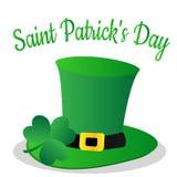 Heiliges Patrick Day mit Kleeblatt und grünem Hut Lizenzfreies Stockbild
