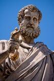 Heiliges Peter, der die Taste zum Himmel anhält Stockfotografie