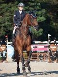 HEILIGES PETERSBURG 5. JULI: Rider Aleksandra Pushkarskaya auf Amand Lizenzfreies Stockfoto