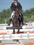 HEILIGES PETERSBURG 5. JULI: Rider Andrius Petrovas auf Complimento Stockbild