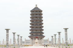 HEILONGJIANG, CHINA - 12. Juli 2015: Turm bei Bolshoy Ussuriysky I Stockfotos