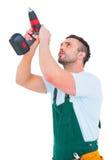 Heimwerker, der Leistung-Bohrgerät verwendet lizenzfreie stockfotos