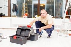 Heimwerker mit Werkzeugkasten Stockfotos