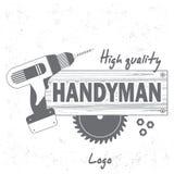 Heimwerker Services Logo Bohren Sie, Rundschreibensäge und hölzernes Brett mit Wort Heimwerker Gutshofdruckstempel Stockbilder
