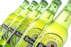 Heineken-flessen Royalty-vrije Stock Afbeeldingen