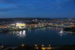 Heinz Field Stadium en het Punt Royalty-vrije Stock Fotografie